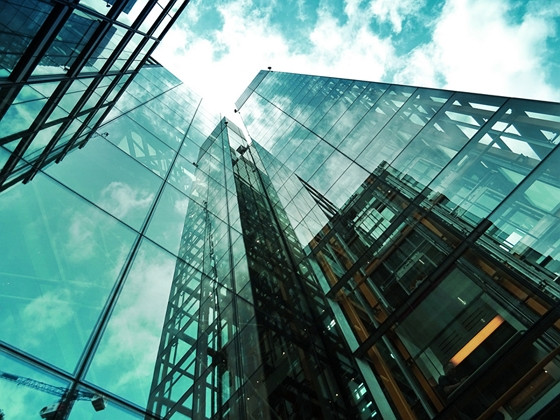 picture of a glass skyscraper